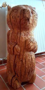 Bär aus Eichenholz