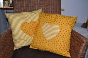 Kissen mit Herzen gelb